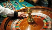 New Jersey Casinos Reopen After Budget-Related Shutdown...ATLANTIC CITY, NJ - JULY 8:  The roulette wheel spins at Caesars Atlantic City July 8, 2006 in Atlantic City, New Jersey. Caesars, along with Atlantic City's 11 other casinos reopend this morning after they were forced to close their gambling floors for the first time in their 28-year history due to the New Jersey state budget impasse.  (Photo by William Thomas Cain/Getty Images)